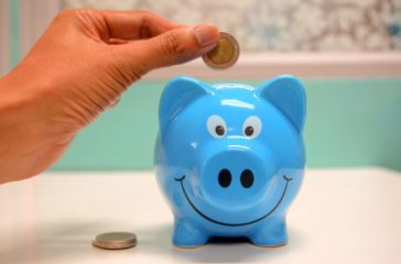 banking_cash_deposit_money_piggy_bank_savings_security-1556537